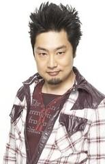 Тосицугу Такасина